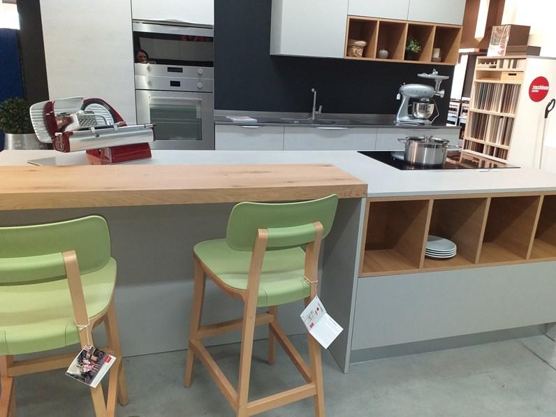 Cucina ad isola moderna oriente arrex 2 a prezzo scontato for Costo isola cucina