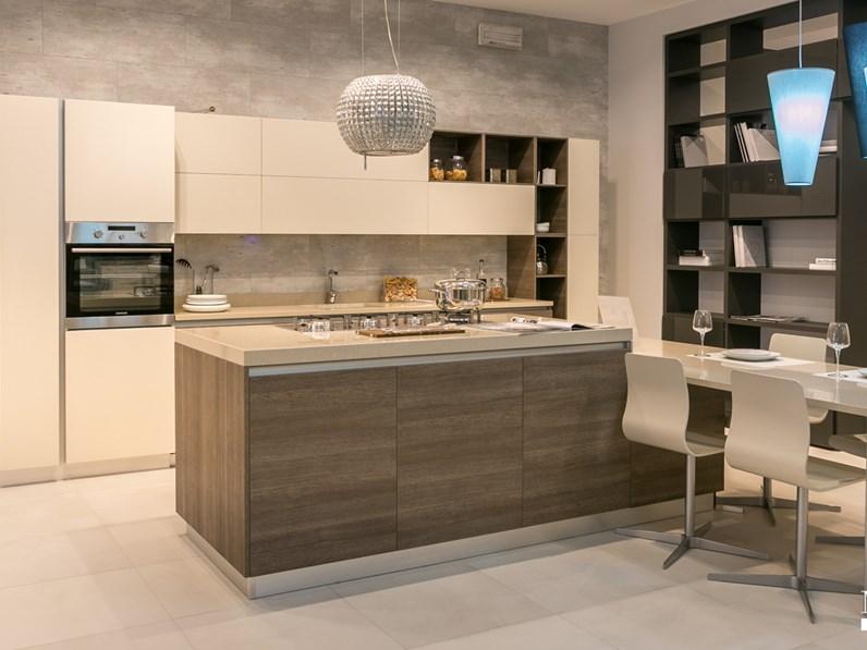 Cucina ad isola scavolini modello liberamente scontata del 44 - Cucina ad isola prezzi ...