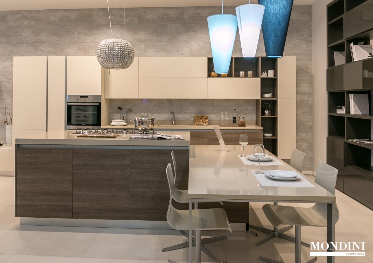 Cucina ad isola scavolini modello liberamente scontata del - Cucine con isola scavolini prezzi ...