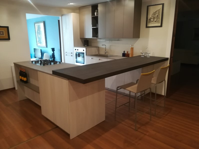 Cucina ad isola Sistema 22 Alta cucine a prezzo ribassato