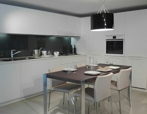 Cucina Alea moderna bianca ad angolo Varenna