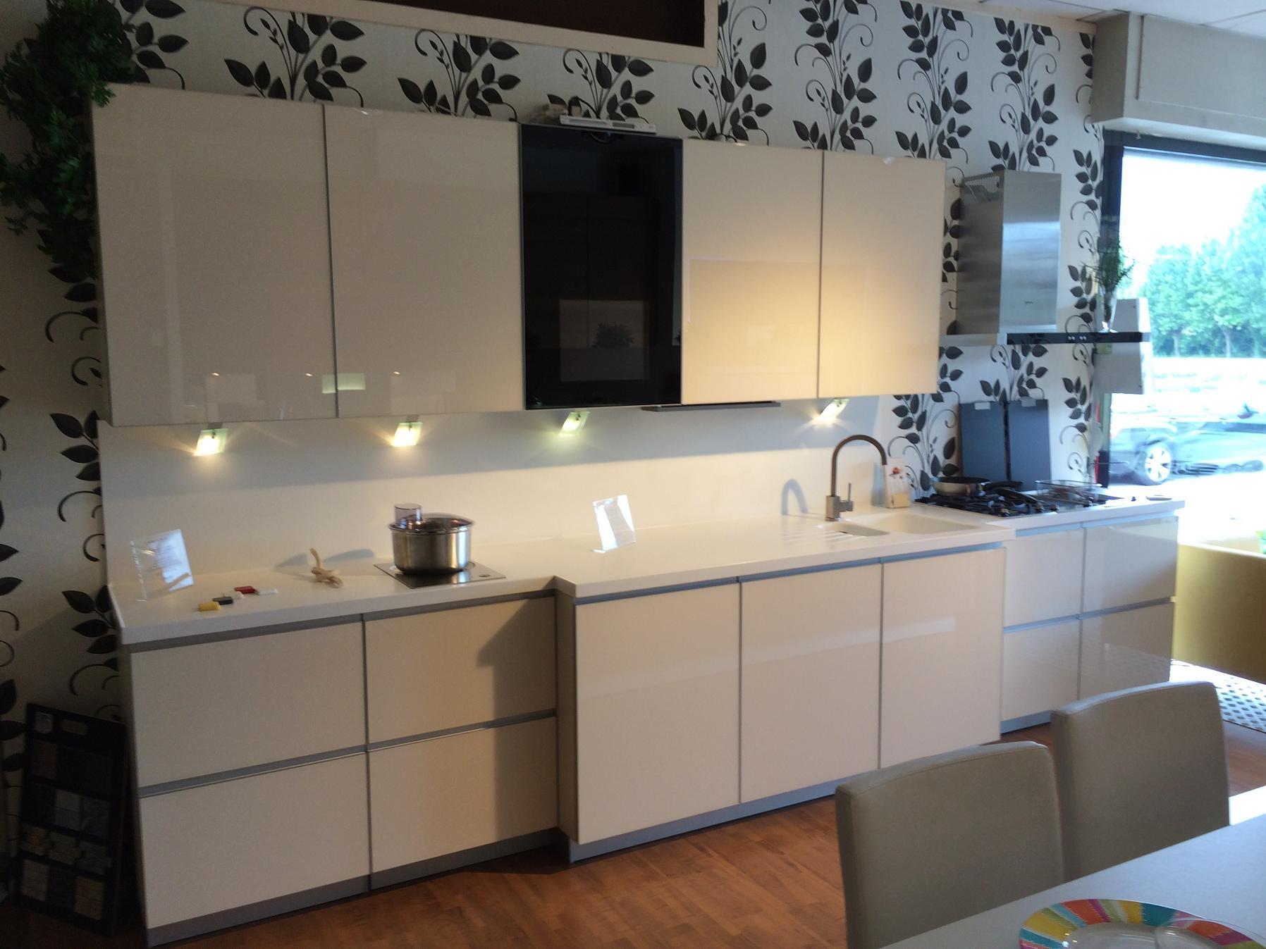 Cucina alno art pro vetro in offerta cucine a prezzi - Alno cucine prezzi ...