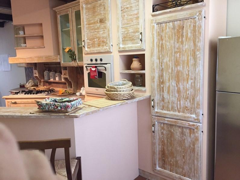 Cucina altri colori country con penisola effetto muro - Colori muro cucina ...