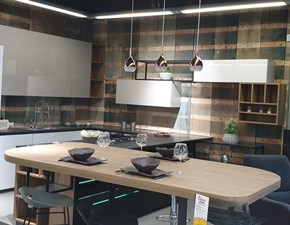 Cucina altri colori design con penisola Evolve Cucine esse in Offerta Outlet