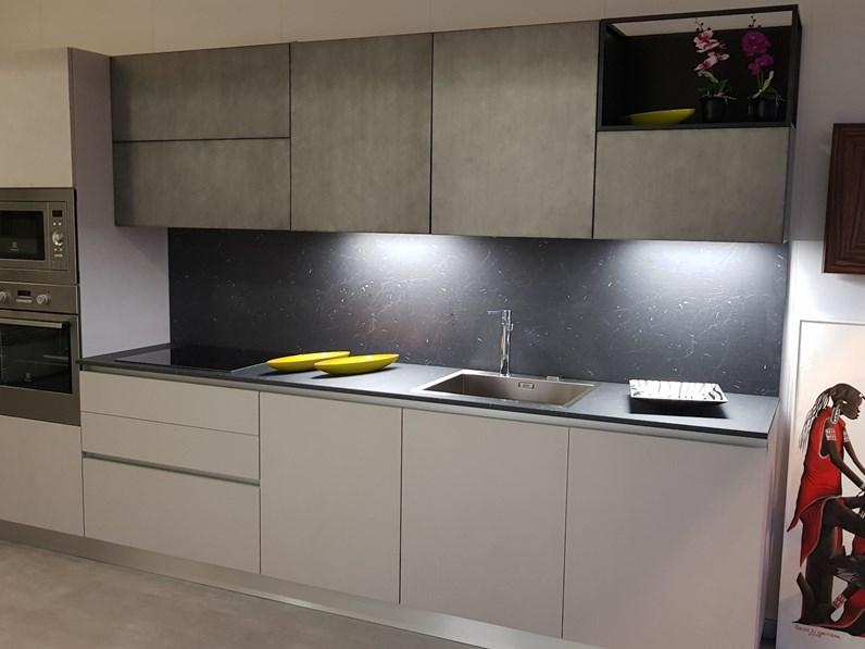 Cucina altri colori design lineare yota armony cucine in for Cucine di design outlet
