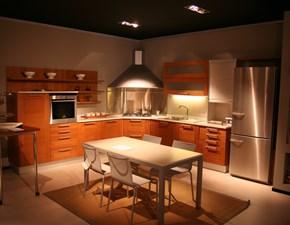 Cucina in legno moderna ad angolo Abita di Euromobil in Offerta Outlet
