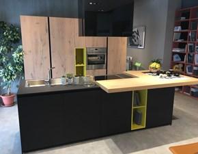 Cucina altri colori moderna ad isola Aspen di Doimo cucine in Offerta Outlet