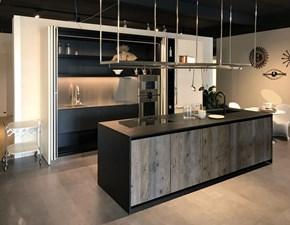 Cucina altri colori moderna ad isola Isola xila con colonne hide Boffi in Offerta Outlet
