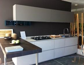 Cucina altri colori moderna con penisola Obliqua Ernestomeda in Offerta Outlet
