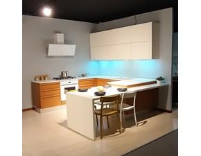 Cucina altri colori moderna con penisola Pamela Lube cucine scontata