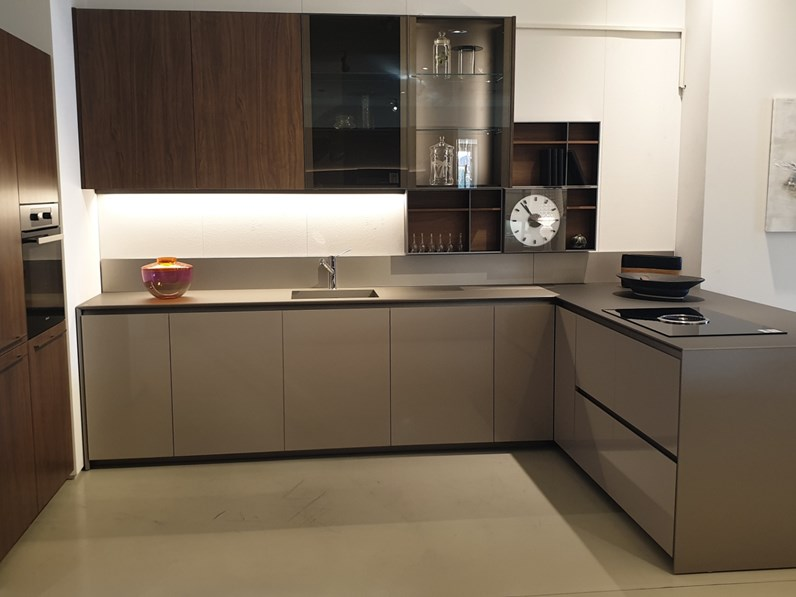 Cucina altri colori moderna con penisola prime dada - Colori cucina moderna ...
