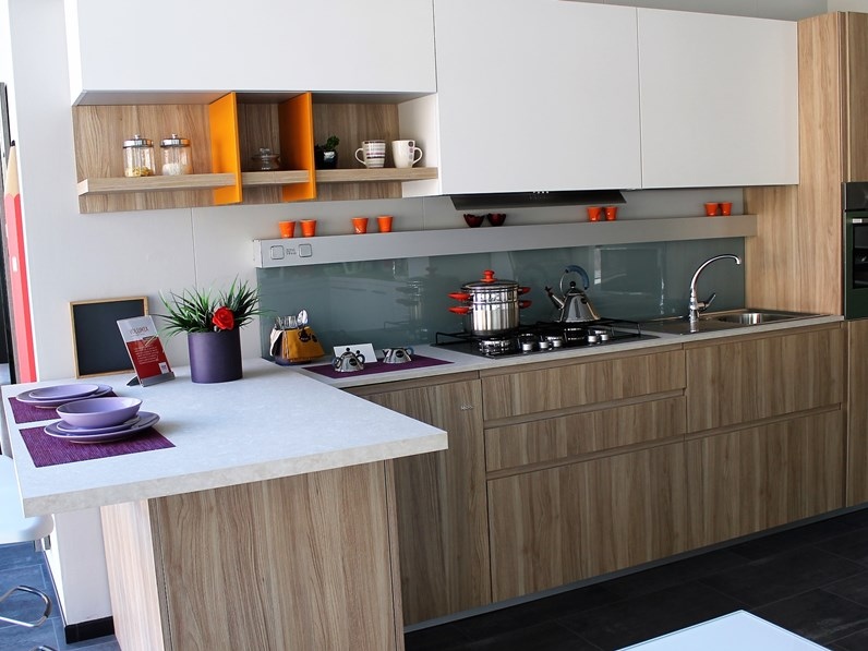 Cucina Moderna Febal.Cucina Altri Colori Moderna Con Penisola Volumia Febal
