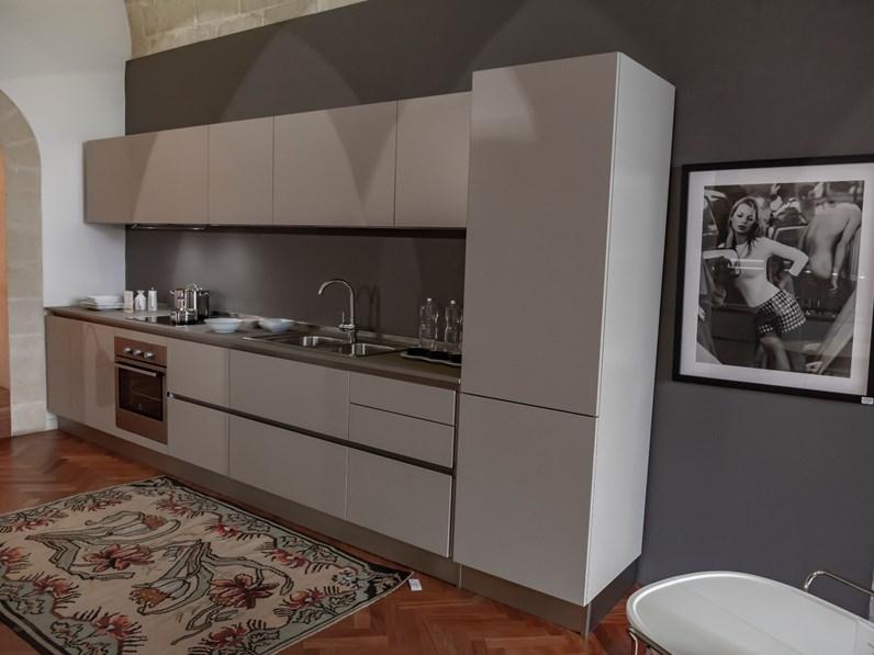 Cucina altri colori moderna lineare Oyster pro Veneta cucine in Offerta  Outlet