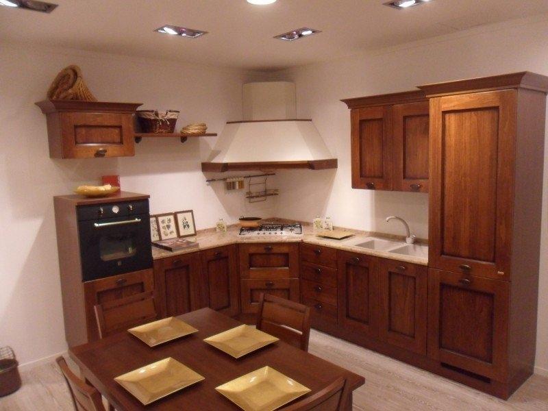 Cucine In Noce. Free Moderna E Cucina In Noce Nazionale Realizzata ...