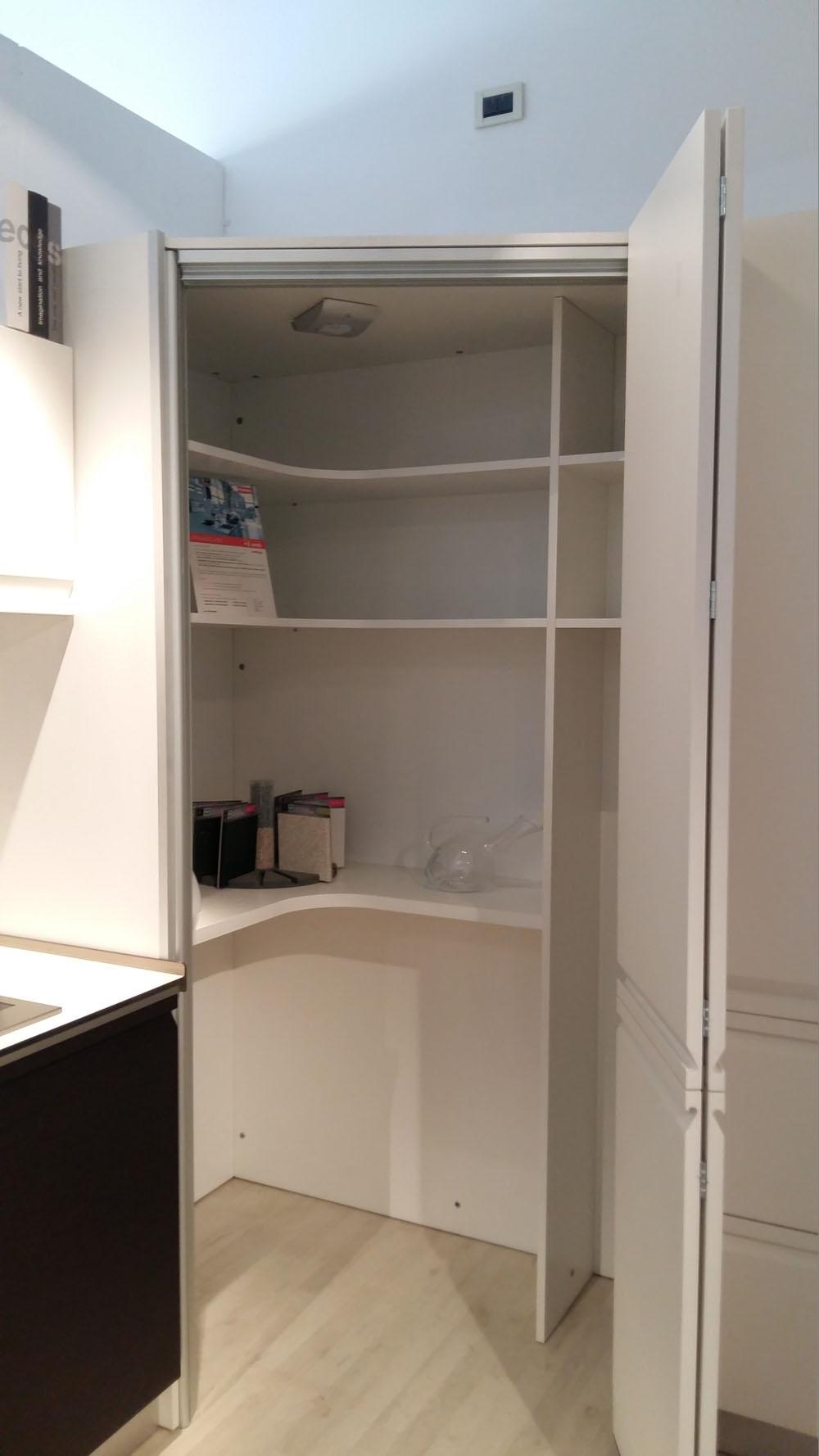 Cucina angolo dibiesse scontata del 63 laccata bianca - Cucina bianca legno ...