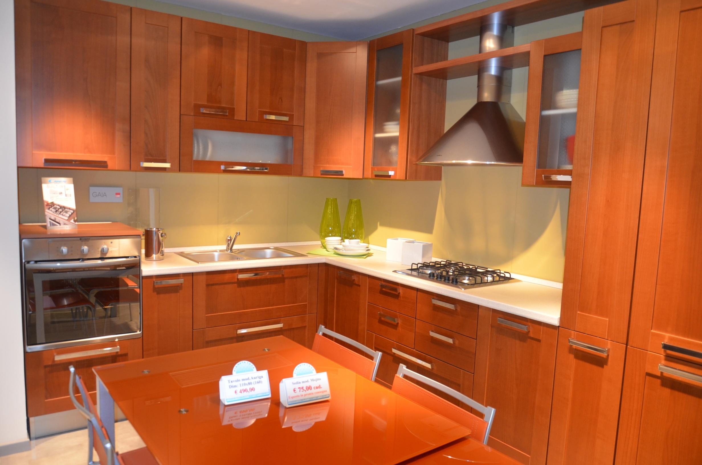 Tavolo e sedie da anninare a cucina ciliegio - Cucine ciliegio moderne ...