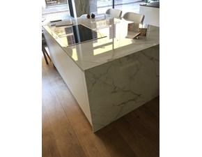 Cucine design prezzi negli spazi espositivi for Cucine outlet design
