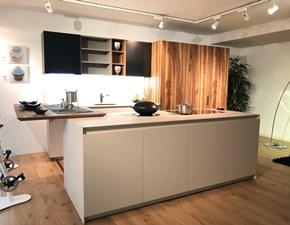 Cucina Antis design altri colori con penisola Euromobil
