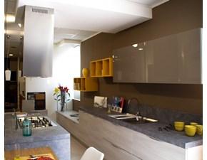 Cucina finitura effetto legno con dispensa ad angolo, sconto del ...