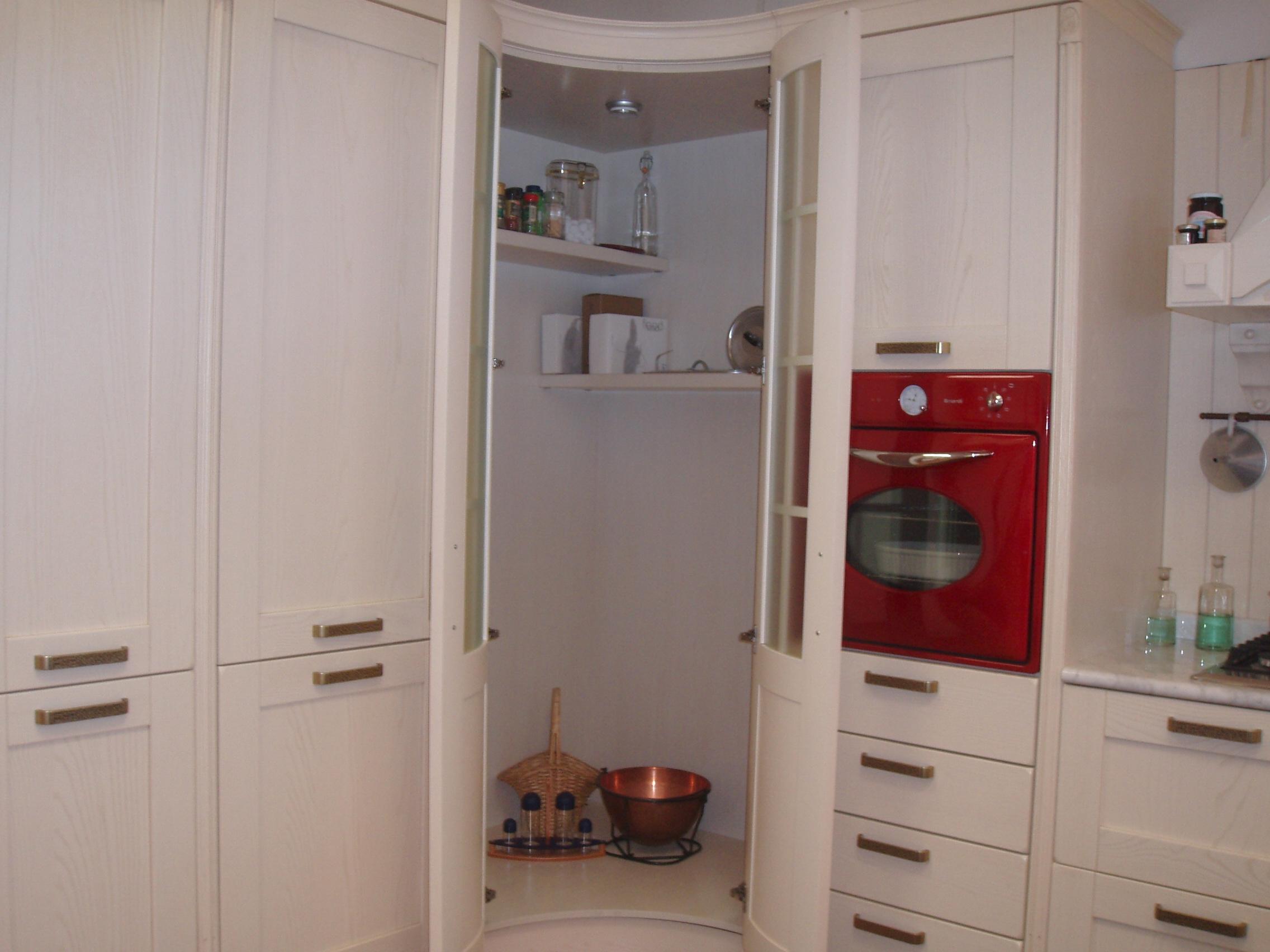 Cucina classica bianca trendy cucina classica bianca with for Cucina classica bianca
