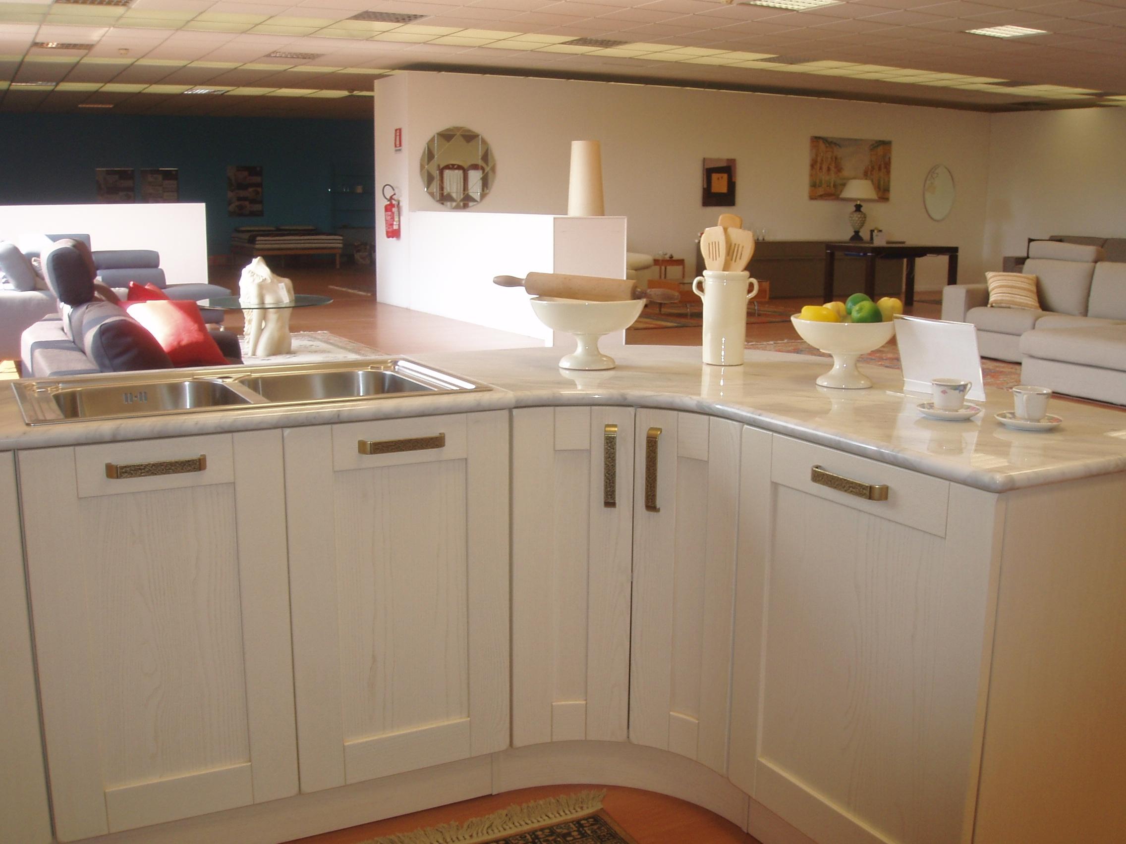 Cucina ar tre signoressa classica legno bianca cucine a prezzi scontati - Cucina bianca classica ...