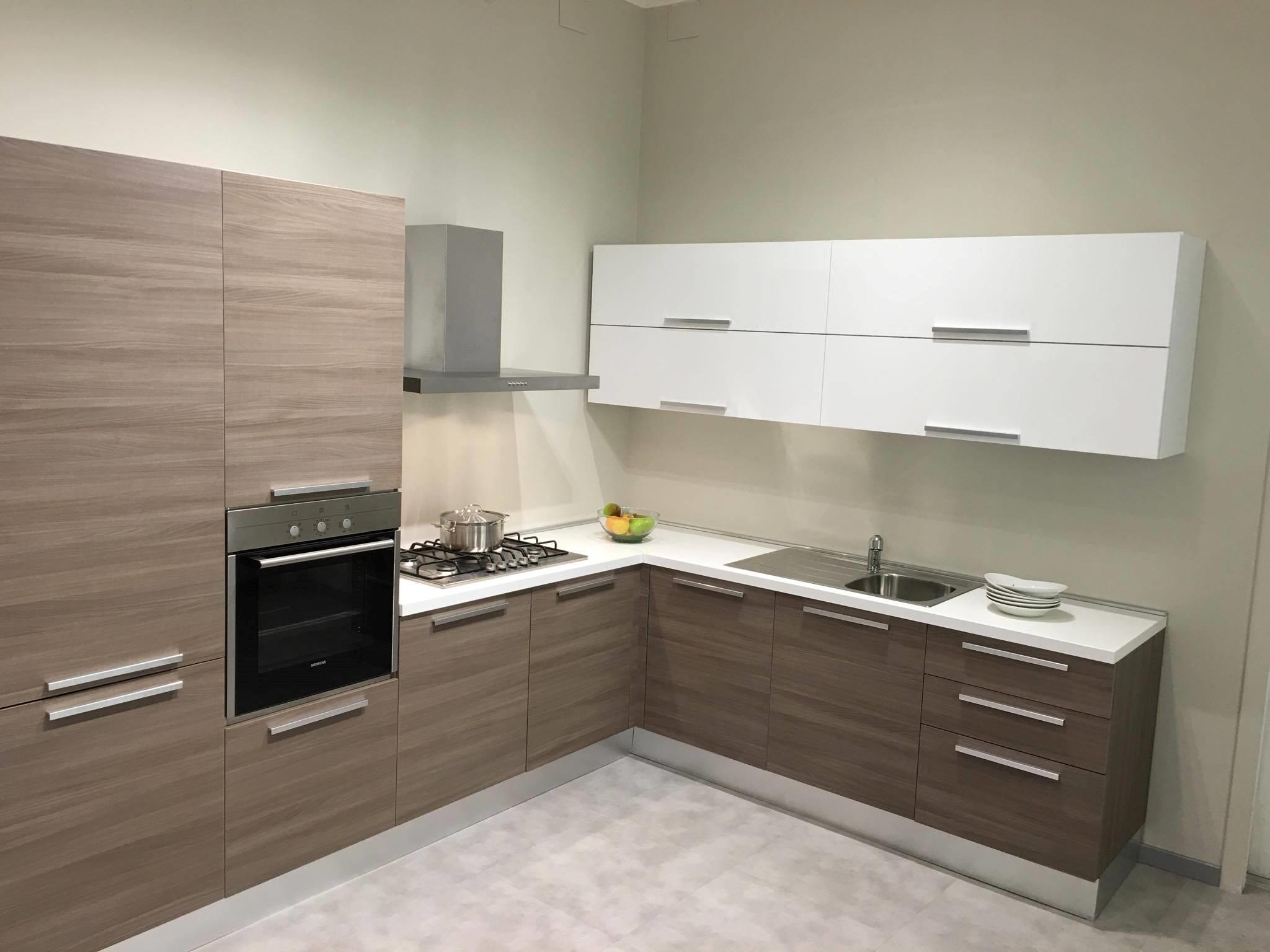 Cucina Aran modello Mirabilia scontato del -50 % - Cucine a prezzi ...