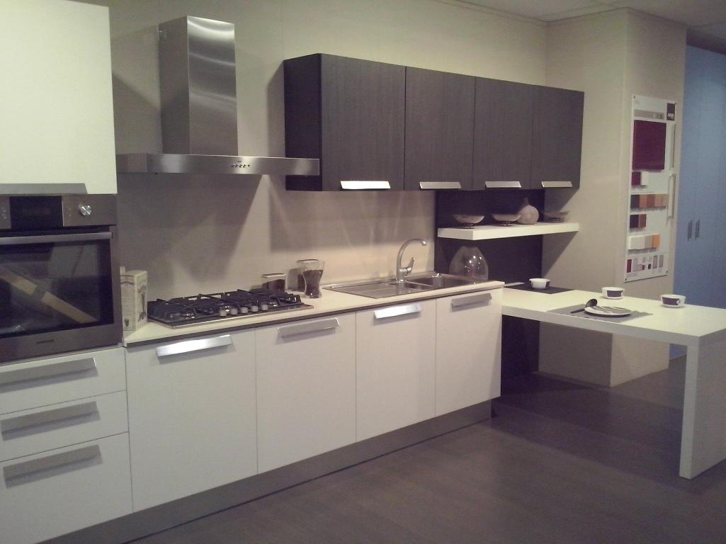 Cucina aran cucine mod erika in offerta cucine a prezzi scontati - Aran cucine outlet ...