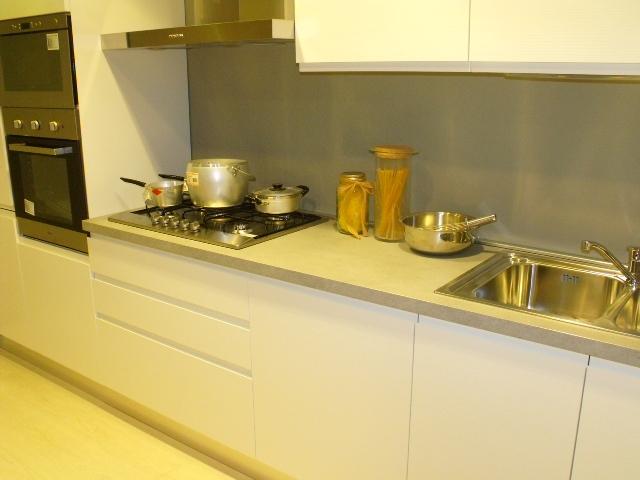 Aran cucine cucina opera moderno legno bianca cucine a prezzi scontati - Cucine aran prezzi ...