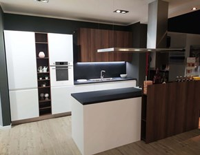 Cucina Arredo3 design ad isola bianca in laccato opaco Wega