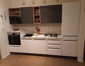 Cucina Arredo3 design lineare bianca in laminato materico Tekna