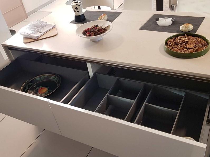 Cucina Arredo3 in vetro e laccato lucido modello glass e ...