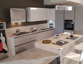 Cucina Arredo3  in vetro e laccato lucido modello glass e time con piano in dekton a prezzo scontato