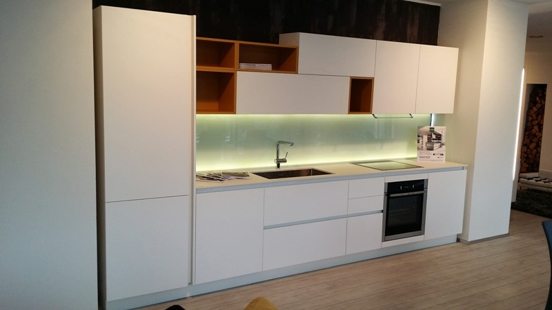Cucina arredo3 kali laminato bianco seta design laminato - Top cucina in vetro ...
