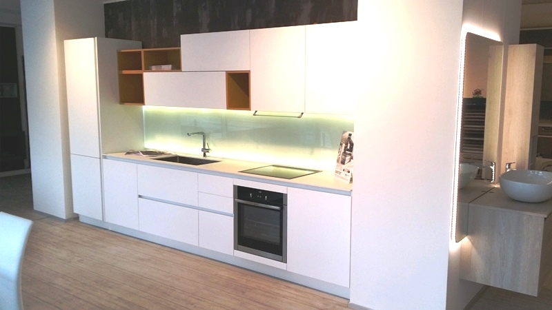 Cucina arredo3 kali laminato bianco seta design laminato - Schienale cucina in vetro temperato ...