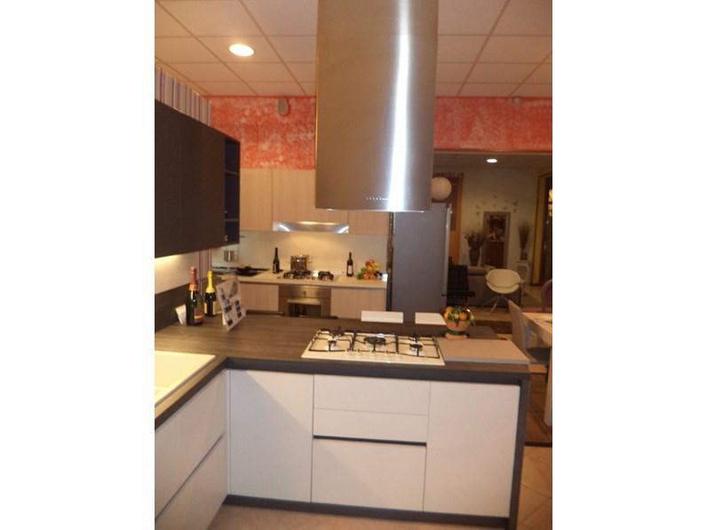 Cucine con colonna forno ad angolo arredo cucina kali scontata completa di incentivi cucine - Cucina kali prezzi ...