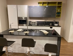Cucina Arredo3 moderna ad isola bianca in polimerico lucido Plana siria