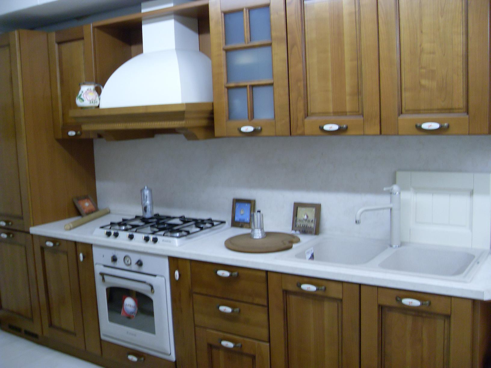 Cucina arredo3 virginia classica legno ciliegio cucine a - Arredo cucina classica ...
