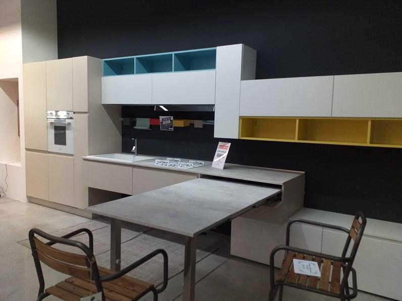 Cucina Arrex-2 moderna lineare bianca in laccato opaco Arcobaleno