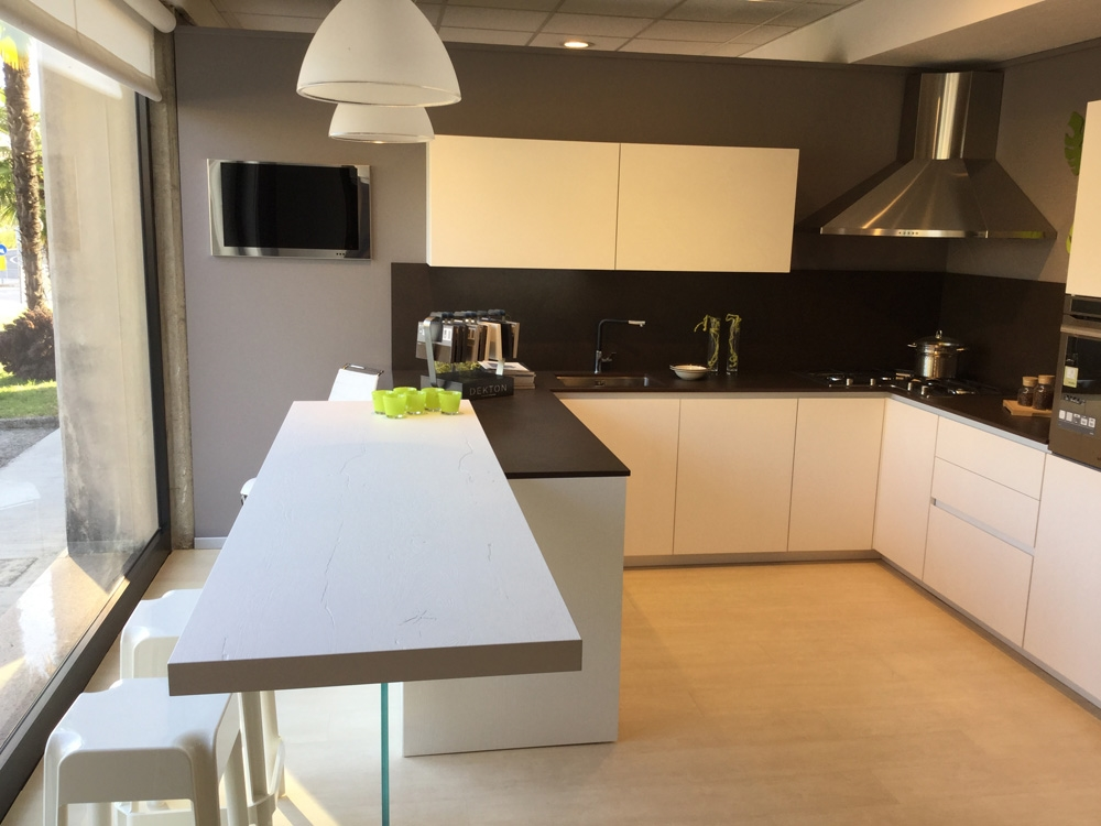 Cucine bianche e legno th85 regardsdefemmes - Top cucina in cemento ...