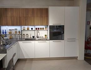 Cucina Artigianale design con penisola bianca in polimerico opaco Alice
