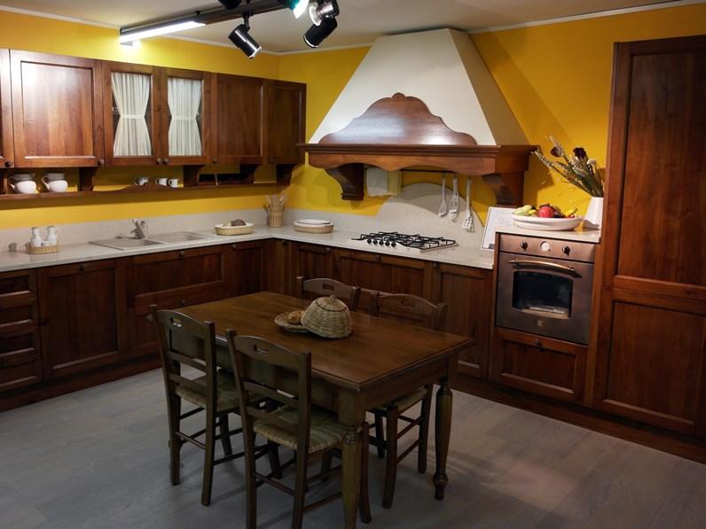 Cucina Artigianale - falegnameria Classiche Legno Noce scontato ...