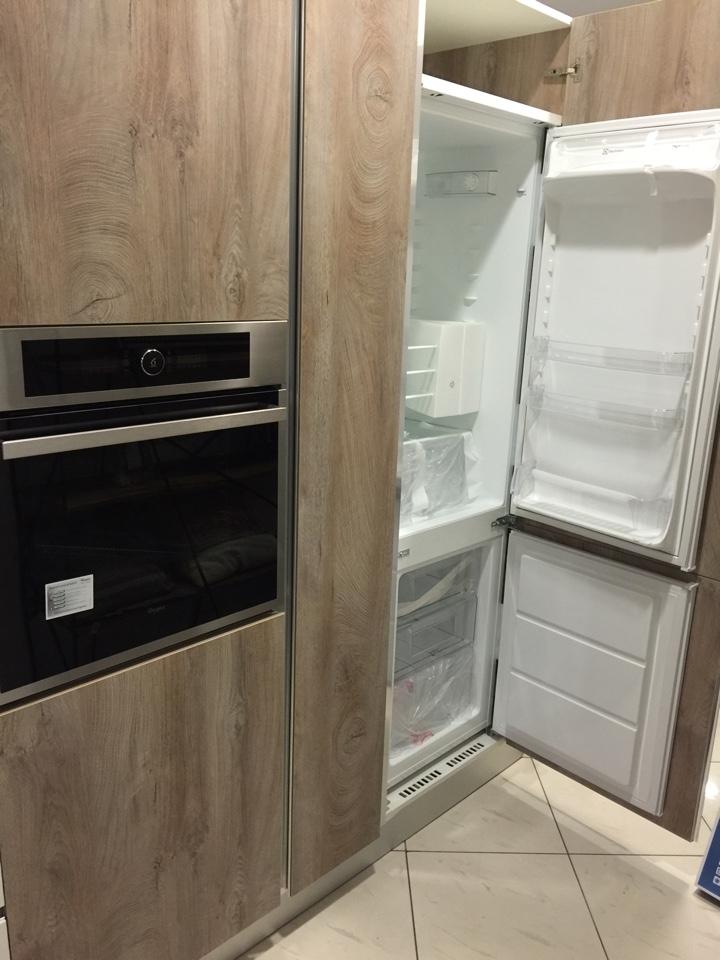 Cucina artigianale lineare bianca rovere completa di - Top cucina quarzo prezzi ...