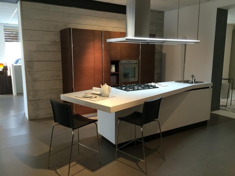 Cucina artigianale moderna ad isola cucine a prezzi scontati - Cucina isola prezzi ...
