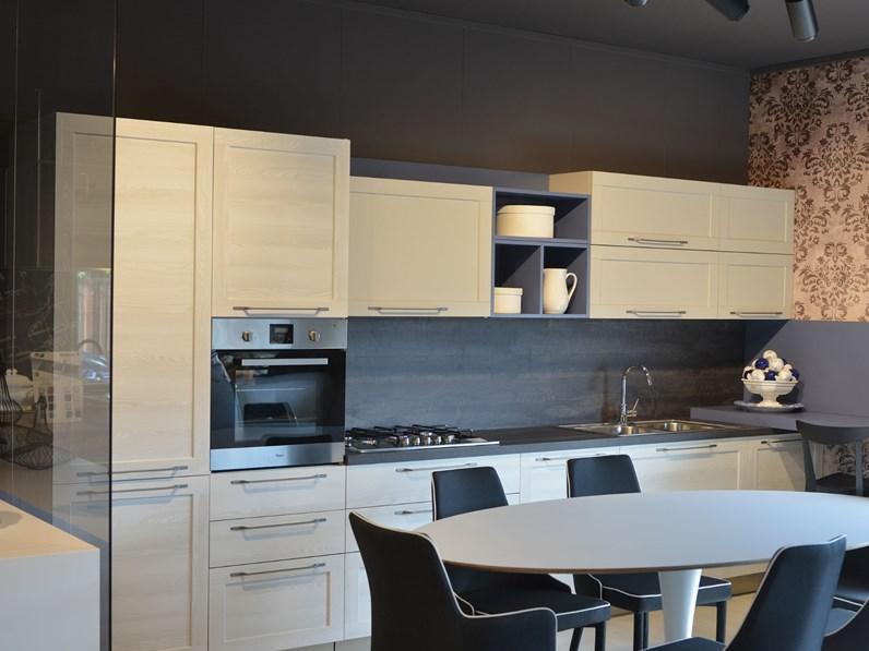 Cucina Artigianale Moderna.Cucina Artigianale Moderna Lineare Bianca In Legno Cm03