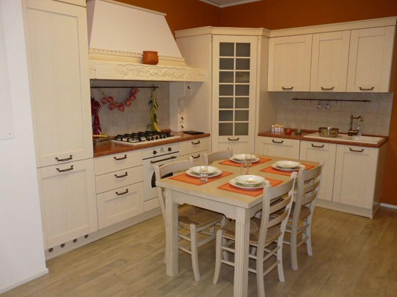 Cucina artre cucina signoressa classiche legno bianca - Cucina bianca legno ...