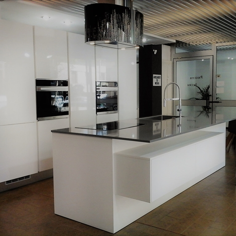 Cucina atra gola polimerico lucido bianco cucine a - Cucina bianca lucida ...