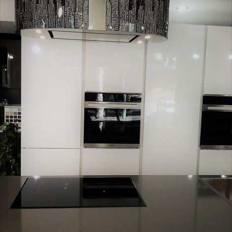 Cucina atra gola polimerico lucido bianco cucine a - Cucina bianco lucido ...