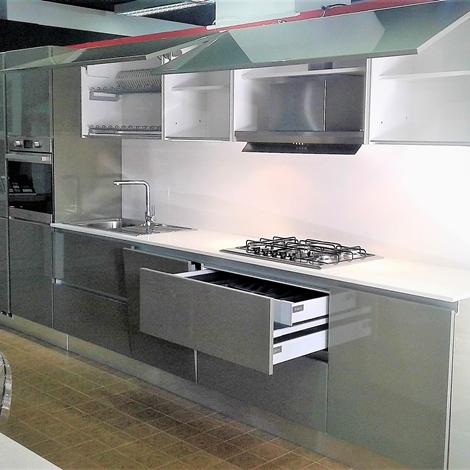 Cucine scontate esposizione affordable lube cucine for Stosa cucine verona