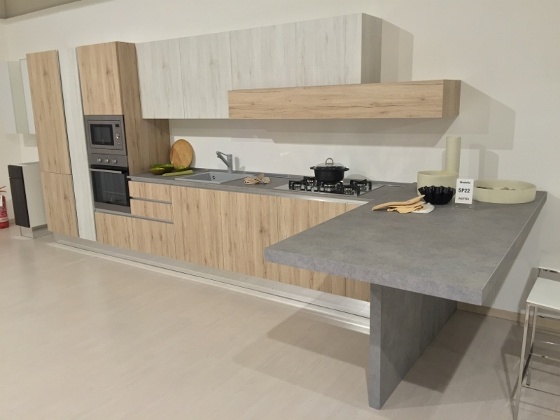 Cucina Astra con penisola effetto vintage rovere nodato - Cucine a ...