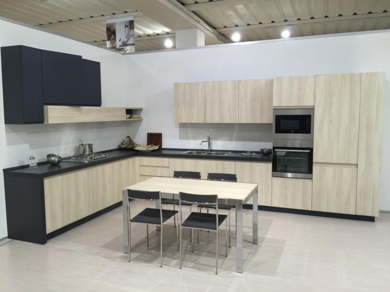 Cucina astra cucine angolare modello line laminato materico e ...